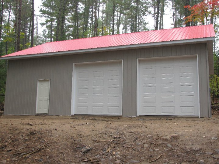 Clinton clement contracting garages and storage deep for Pole barns ontario